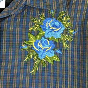 Cabin Creek Embroidered Shimmery Plaid Shirt XL